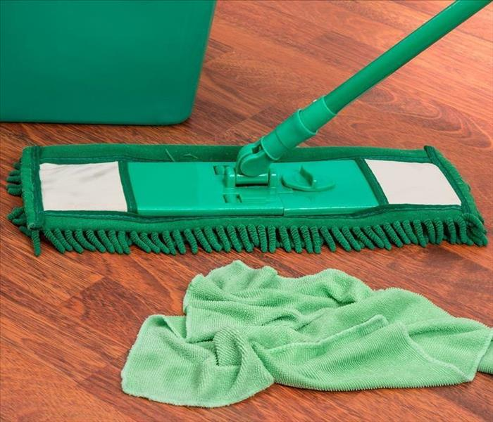 Cleaning 10 Fast & Easy Spring Cleaning Tips
